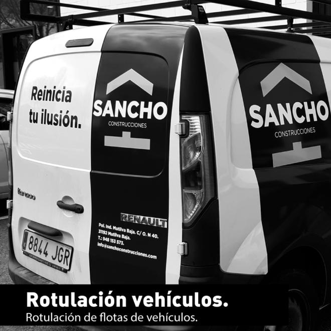 Vehículos rotulado con vinilo al corte.